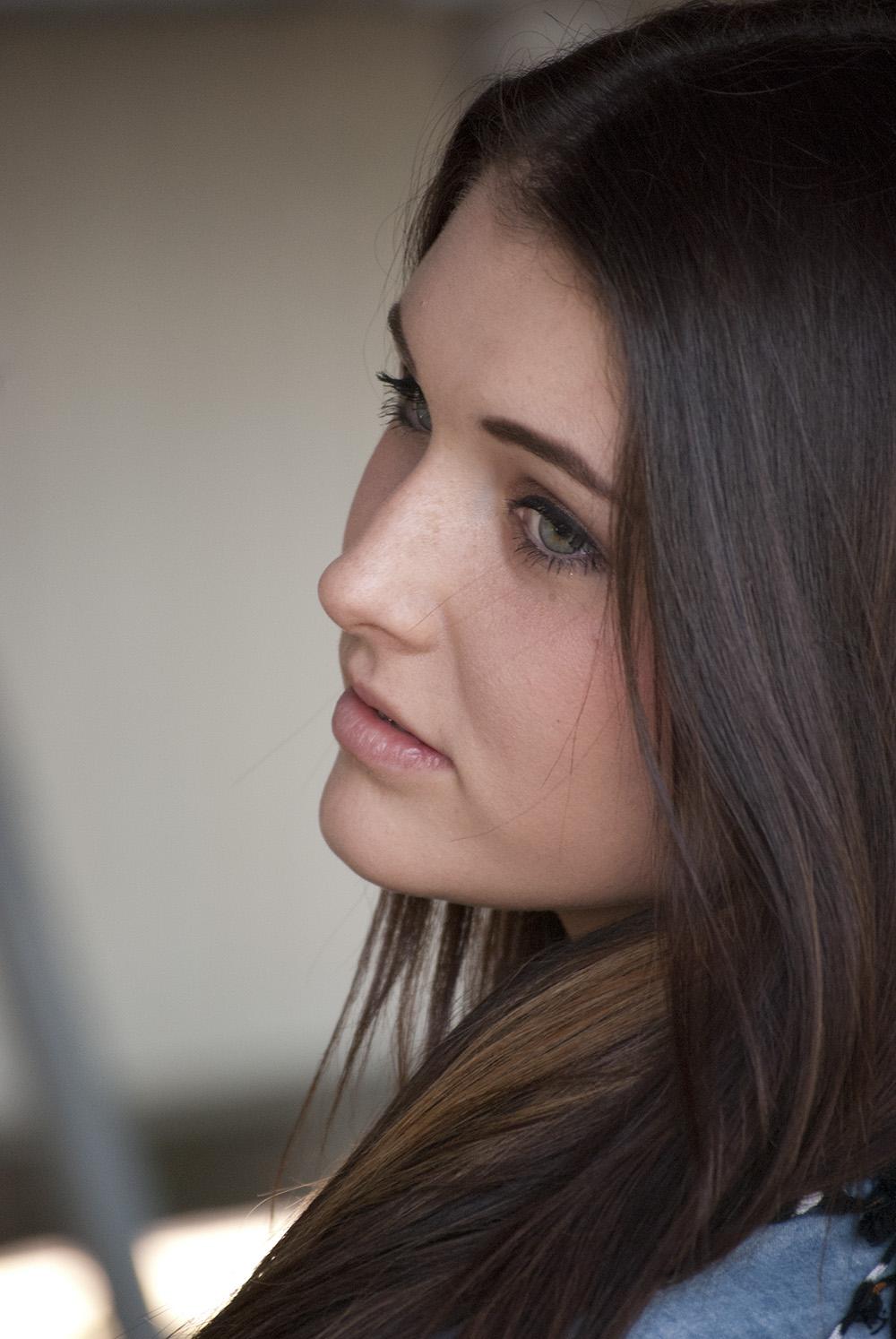 Portrait_ShannonProfile
